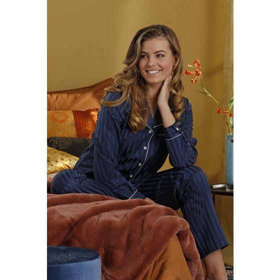 Blauw satijnen doorknoop dames pyjama