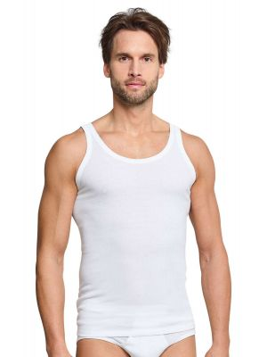 Twee witte Schiesser heren onderhemden